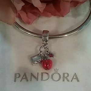Pandora Snow White's 🍎 & ❤️ dangle Charm